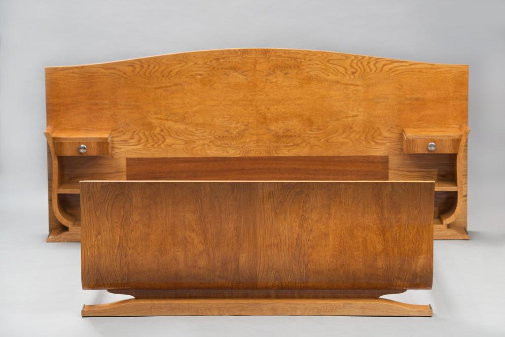 Cama de Casal Art Deco com mesas de Cabeceira