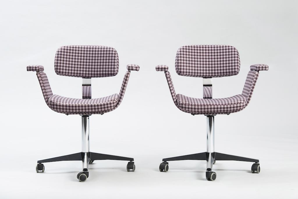 Daciano Costa Par de Cadeiras de Escritório Linha Cortez | 1