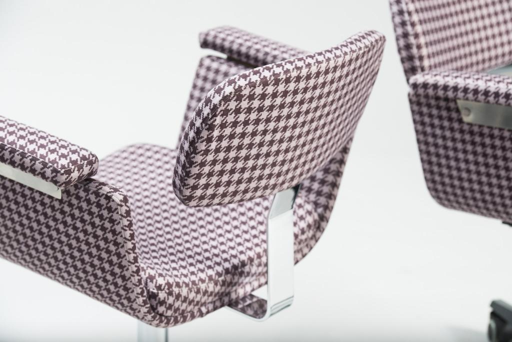 Daciano Costa Par de Cadeiras de Escritório Linha Cortez | 2