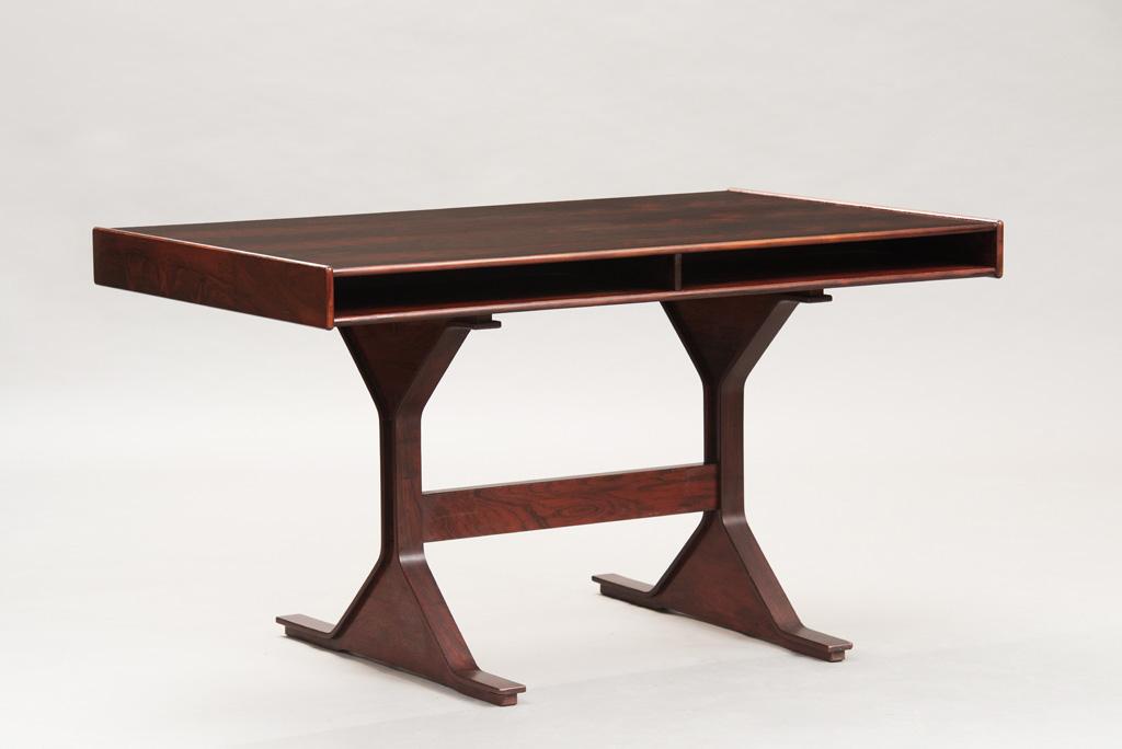 Gianfranco Frattini Rosewood Desk   1