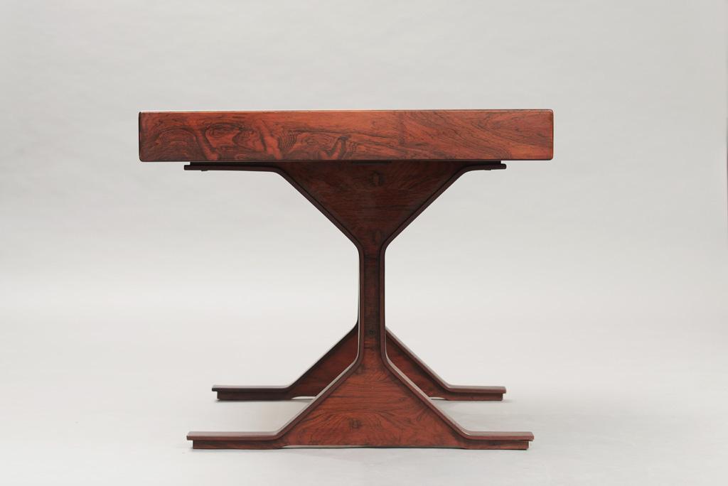 Gianfranco Frattini Rosewood Desk   2