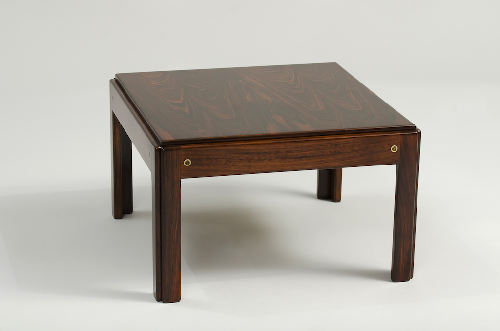 Illum wikkelso Rosewood Side Table Plexus Series