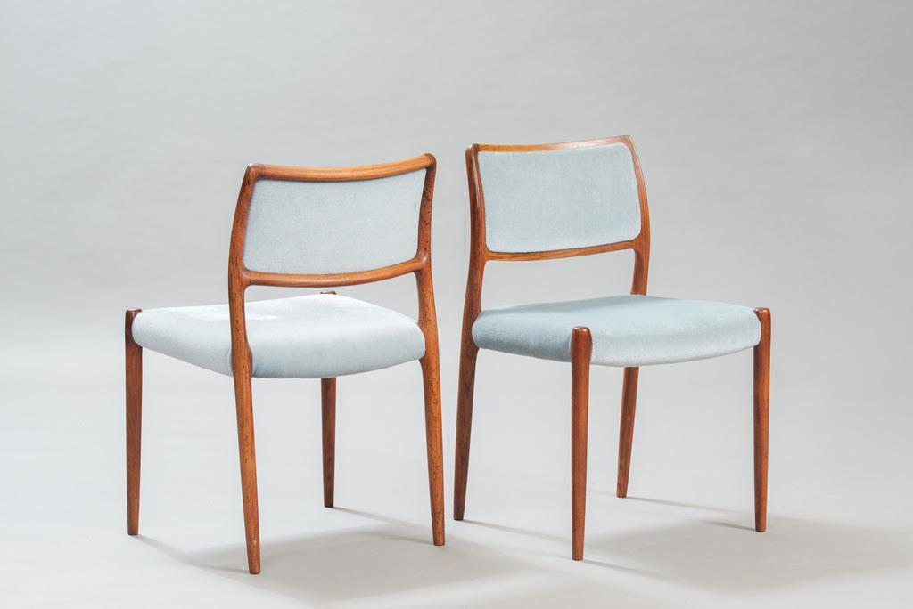 Cadeiras de Jantar em Pau-santo Niels O. Moller para a J. L. Mollers