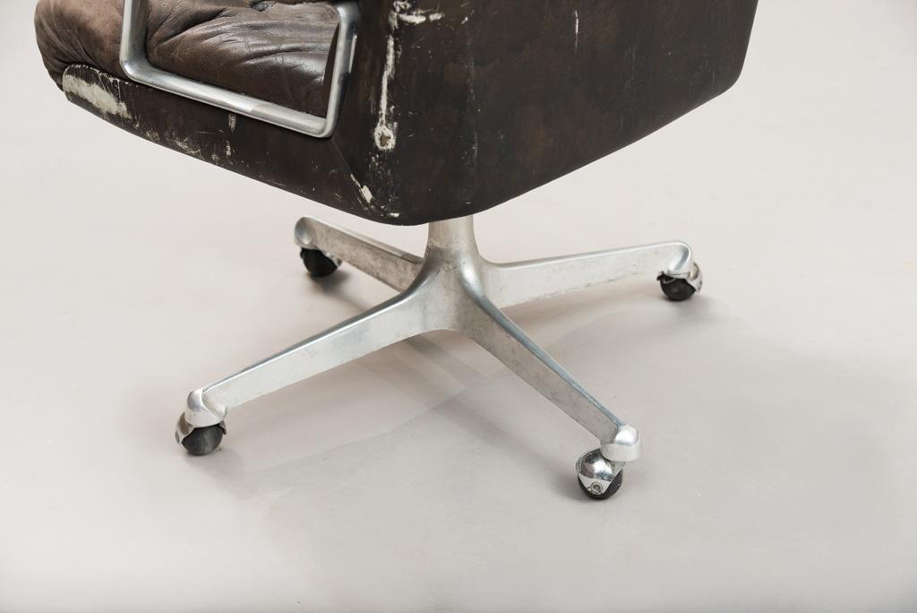 Cadeira de Escritório P125 de Osvaldo Borsani para a Tecno   3