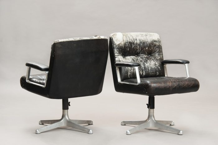 Osvaldo Borsani P125 Desk Chairs for Tecno | One Pair