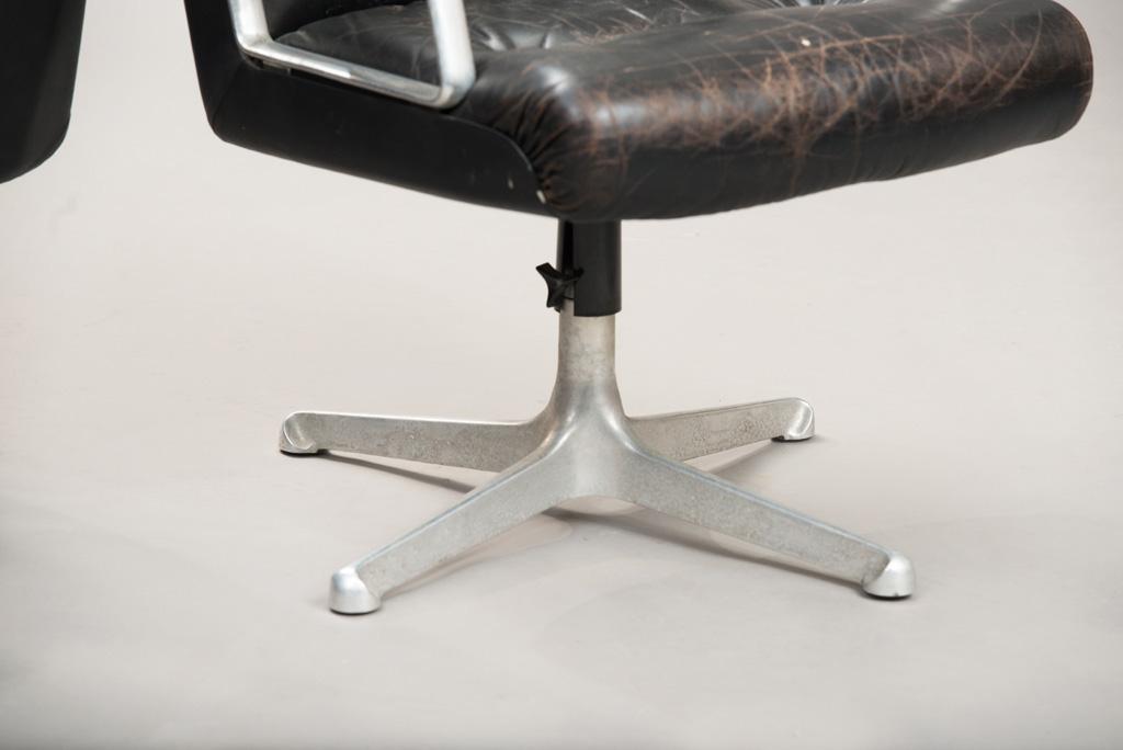 Cadeiras de Escritório P125 de Osvaldo Borsani para a Tecno | Um Par | 4