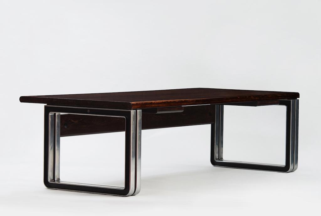 Osvaldo Borsani Large Desk for Tecno